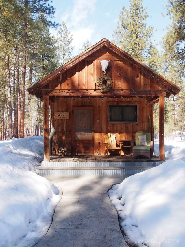 A cozy cabin nestled in Winthrop, WA in central Washington. Perfect for a snowy mountain weekend getaway for some cross country skiing!
