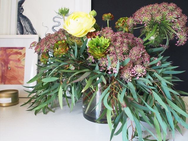 These flower bouquets are from Seattle-based floral subscription service, The Stemmery. They hand deliver beautiful flower arrangements on a regular basis, which would make the best Mothers Day, birthday, or bridesmaid gift!