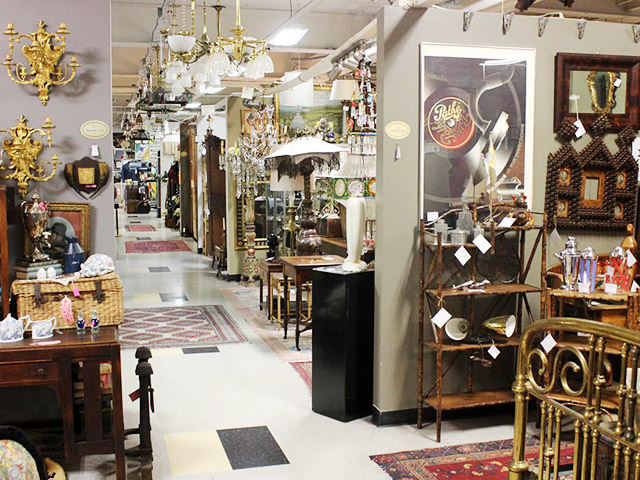 Pacific Galleries is one of the best vintage antique shops in Seattle. You can find vintage home decor from a ton of vendors in this 42,000 square foot antique mall! One of the best in the PNW!