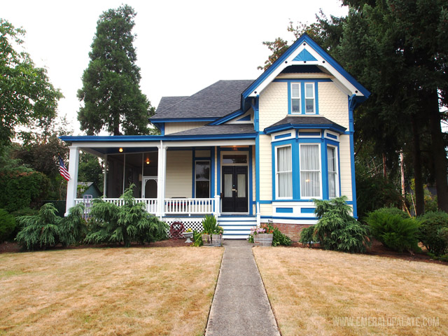 Silverton, Oregon is a great place to spend the night in Willamette Valley, Oregon. If you stop here, stay at The McClaine House bed and breakfast. It has amazing homemade breakfast and gorgeous character!