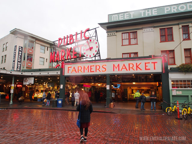 Sign at the entrance of Pike Place Market
